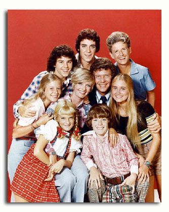 ce_nelson_mike_lookinland_as_bobby_brady_maureen_mccormick_as_marcia_brady_eve_plumb_as_jan_brady_barry_williams_as_greg_brady_florence_henderson__03801.jpg